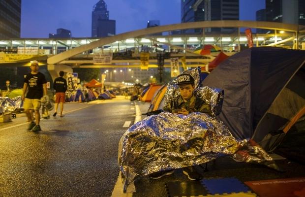 620_400_1413439303-1345 В Гонконге возобновилось противостояние полиции и активистов (фото)
