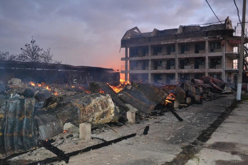 В Белгороде-Днестровском районе сгорела база отдыха (фото)