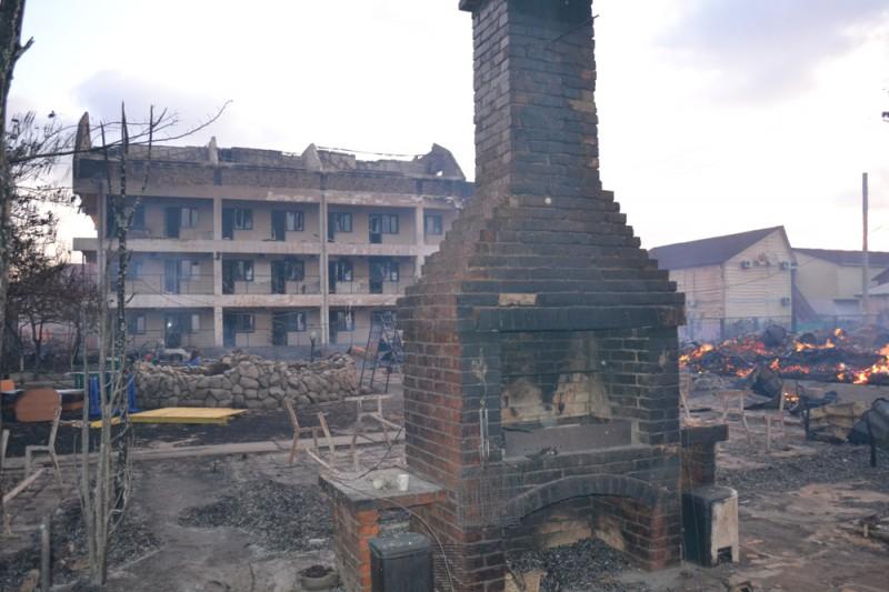 DSC_0048-800x533 В Белгороде-Днестровском районе сгорела база отдыха (фото)
