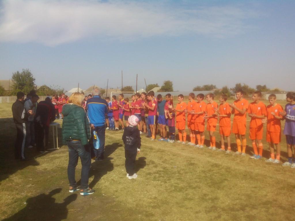 IMG_20141005_142515-1024x768 В Измаильском районе закончилось первенство по футболу (фото)