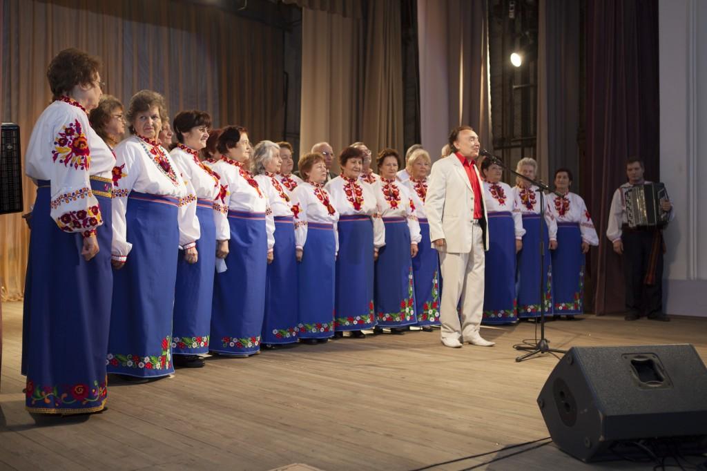IMG_4220-1024x682 Народные артисты поздравили измаильчан с праздниками (обновлено, фото +видео)