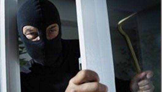 kraja-vor-dom-miliciya-e1414006153644 Измаил: из дома вынесли ювелирку и технику.