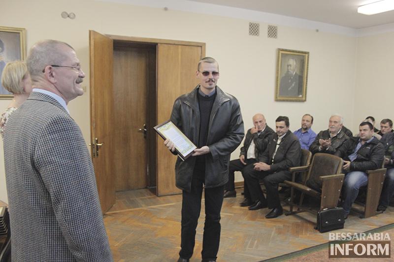 pozdrav-avtomobilista-izmail-2 Измаил: власти города поздравили маршрутчиков (фото)