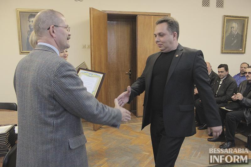 pozdrav-avtomobilista-izmail-3 Измаил: власти города поздравили маршрутчиков (фото)