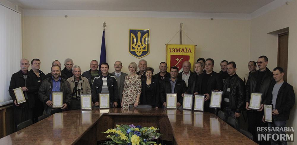 pozdrav-avtomobilista-izmail-8 Измаил: власти города поздравили маршрутчиков (фото)