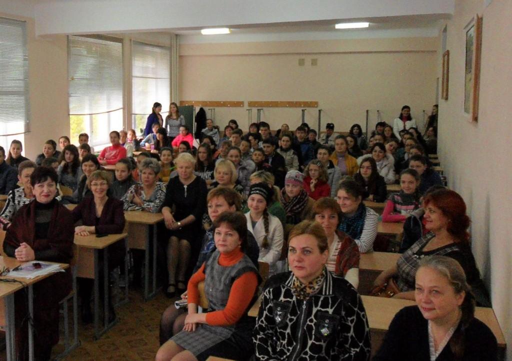 111SAM_4489-1024x723 В ИГГУ прошел районный этап олимпиады по украинскому языку