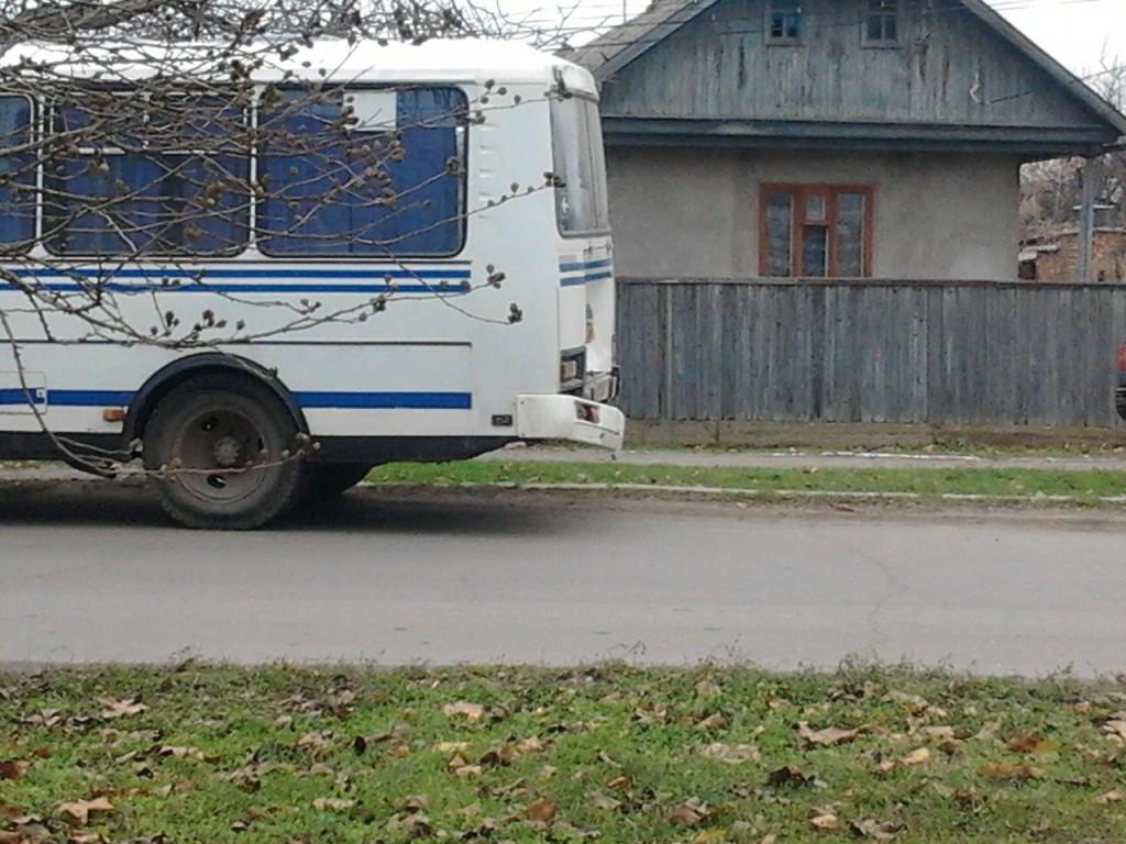 Gz2OlE00XJ0-1024x768 В Измаиле  ВАЗ въехал в ПАЗ - пострадал водитель и пассажир (фото)