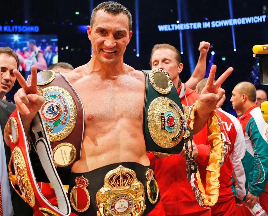 Klitschko-floors-Pulev-13-1024x826 Кличко нокаутировал болгарина в 5-м раунде (ФОТО, видео)