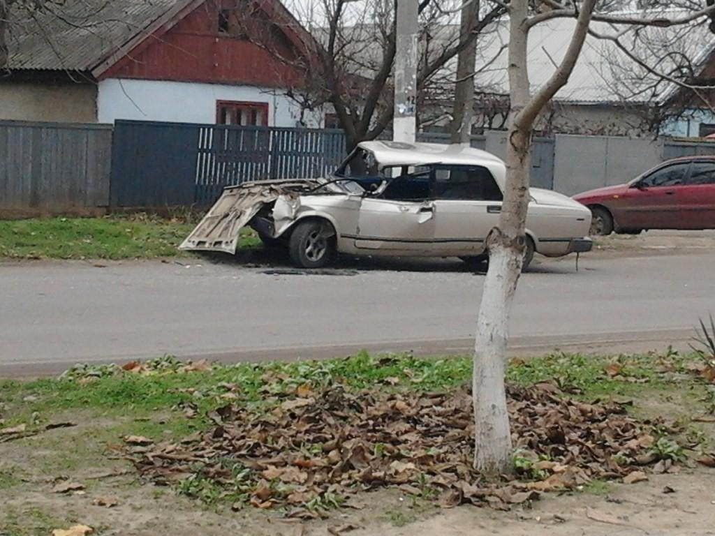 VhQRVXPUNg0-1024x768 В Измаиле  ВАЗ въехал в ПАЗ - пострадал водитель и пассажир (фото)