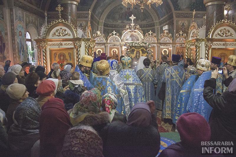 agafangel-v-izmaile-liturgiya-9 В Измаиле проходит литургия с участием Агафангела (ФОТО)