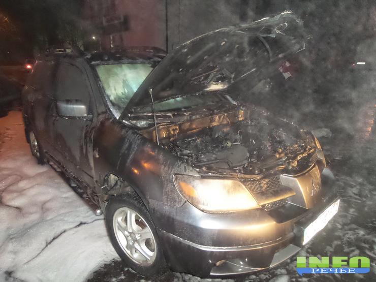 20141211_225904 В Измаиле сожгли журналисту автомобиль  «Митсубиси»