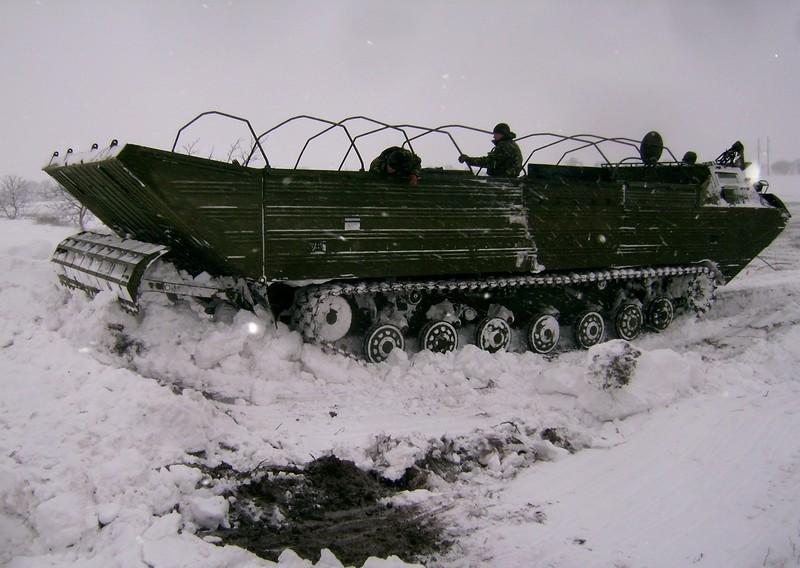 25523_main Военные продолжают расчищать дороги в Одесской области (фото)