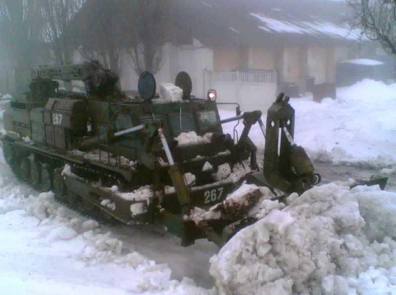 25525_main Военные продолжают расчищать дороги в Одесской области (фото)