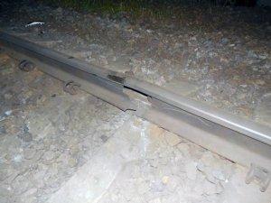 286241 В Одессе взорвали ж/д пути - на месте воронка глубиной около метра