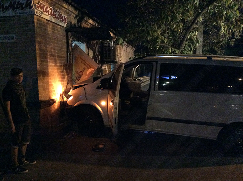 2_dtp_v_izmaile-2 Самая аварийная улица в Измаиле: кто виноват и что делать? (фото,видео)