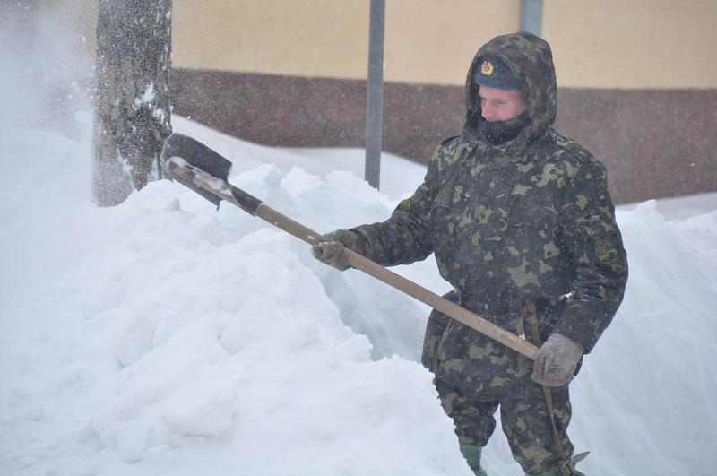 Военные вышли на помощь спасателям Одесской области