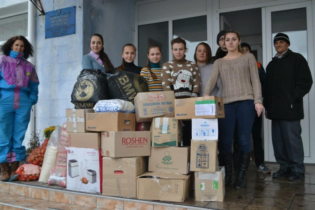 A8v7x_GKJgg-1024x682 В Килие помощь для военных в зоне АТО собирали все (фото)