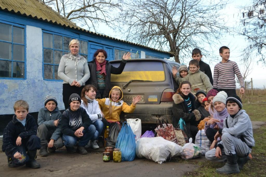 BswDX2iW09o-1024x682 В Килие помощь для военных в зоне АТО собирали все (фото)