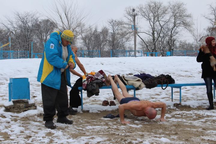 IMG_2338 Мороз и снег, а моржам Измаила тепло (фото)