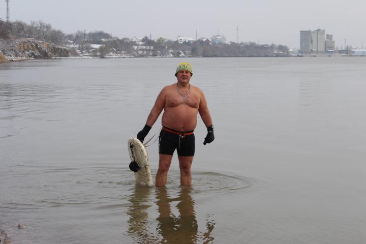 Мороз и снег, а моржам Измаила тепло (фото)