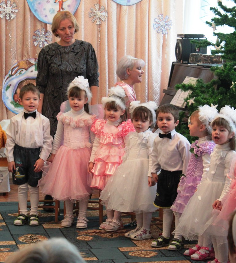 IMG_2893 Измаильские портовики побывали в гостях у детей-сирот (ФОТО)