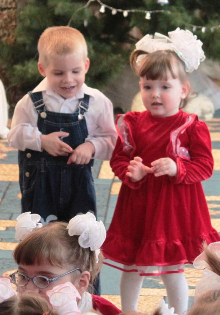 Измаильские портовики побывали в гостях у детей-сирот (ФОТО)