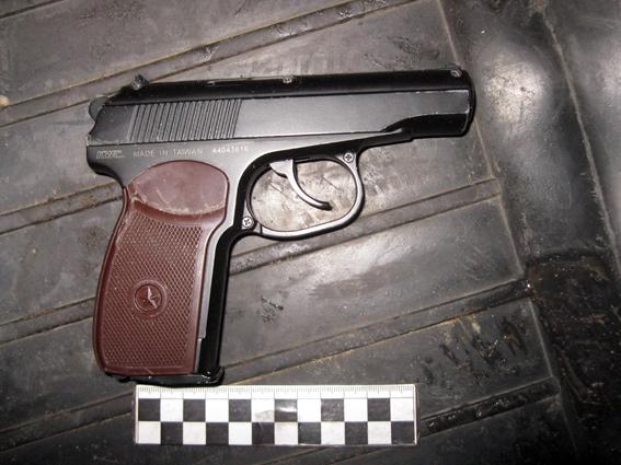 В Б.-Днестровском ночные грабители напали на подростков (фото)