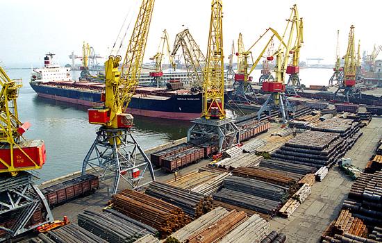В Белгород-Днестровском порту углубляют  морской канал