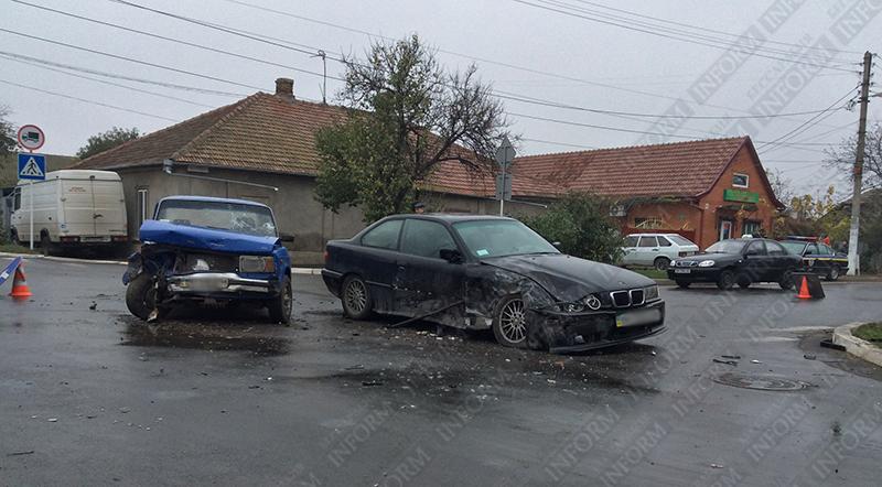 dtp-izmail-bmw-vs-vaz-31 Самая аварийная улица в Измаиле: кто виноват и что делать? (фото,видео)