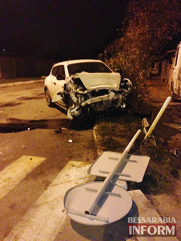 dtp-izmail-lexus-nissan-7 Самая аварийная улица в Измаиле: кто виноват и что делать? (фото,видео)