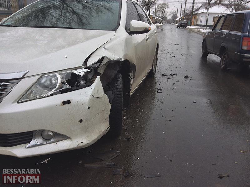 dtp-na-b-dnestrovskoi-izmail-2 ДТП в Измаиле: Белгород-Днестровскую не поделили Fiat и Camry (ФОТО)