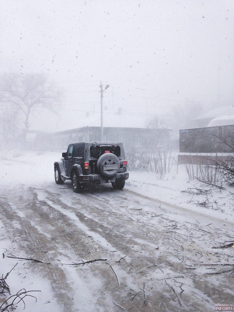 Спасатели продолжают вытаскивать из заторов машины в Одесской области