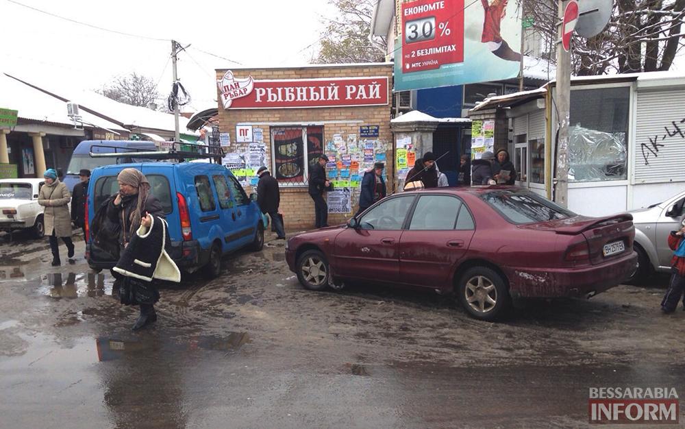 """Измаил: Такси в рубрике """"Я паркуюсь как дурак"""" (фото)"""
