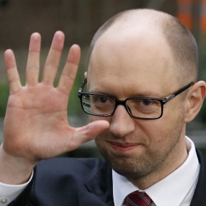 Президент Чехии назвал Яценюка «премьером войны»