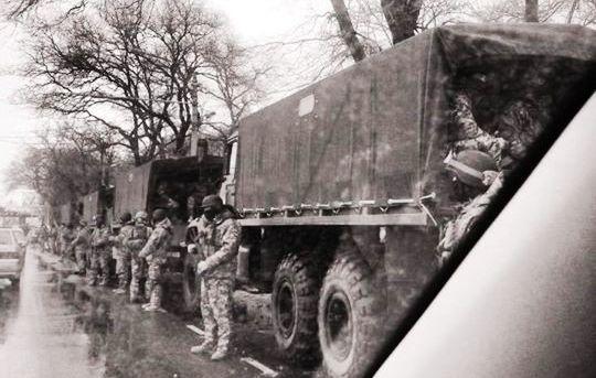 В Одессе начинается АТО: замечены грузовики с военными в полной экипировке (Фото)