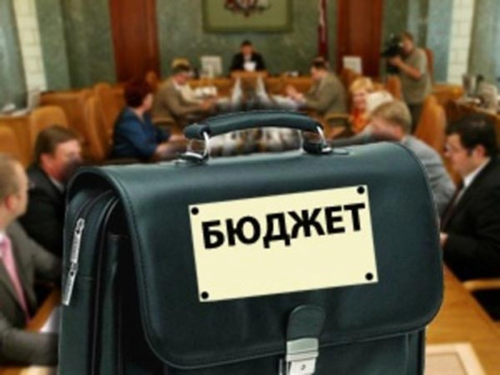 Урбанский и компания увеличили расходы на себя на 230 милн. гривен