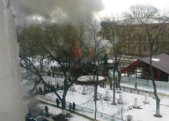 8pelEiW6_Ao-577x10241 Измаил: в центре города произошел взрыв в кафе, подозревают газ  (фото, видео)