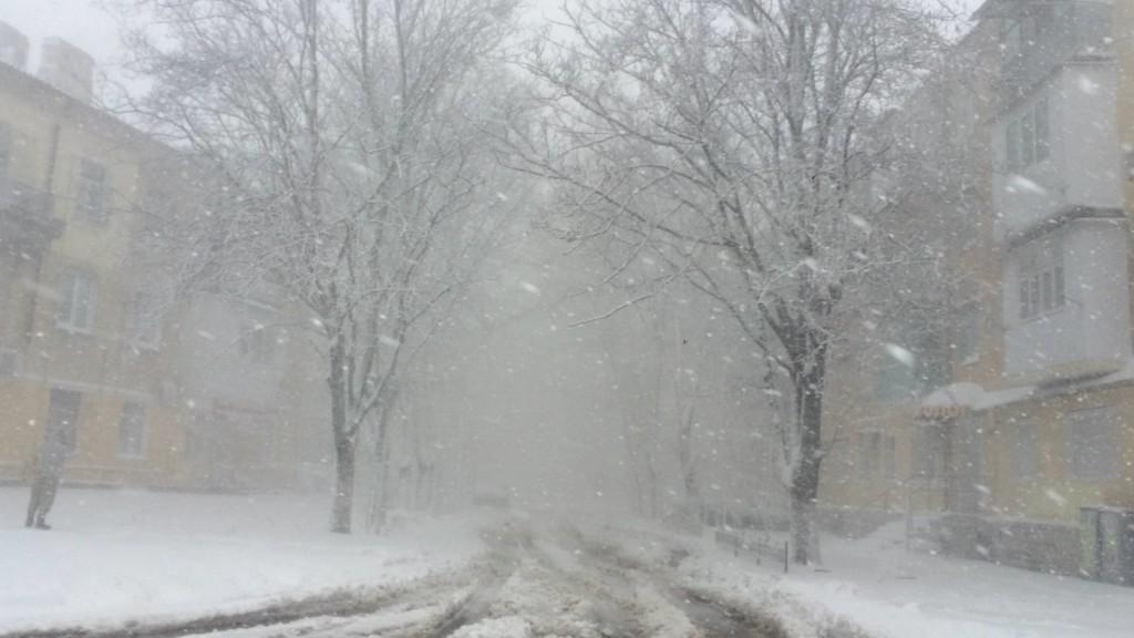 Время бороться со снегом - команда мэра и Урбанский обсудили насущную проблему