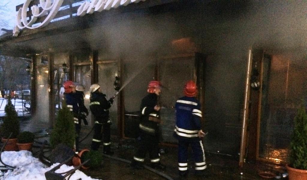 IMG_9300-1024x599 Измаил: в центре города произошел взрыв в кафе, подозревают газ  (фото, видео)