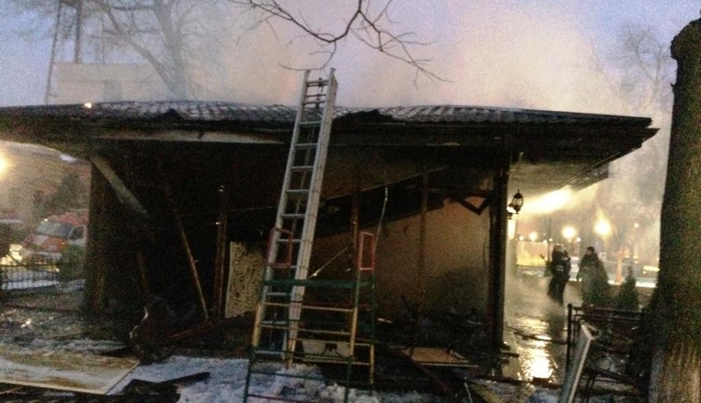 IMG_9309-1024x589 Измаил: в центре города произошел взрыв в кафе, подозревают газ  (фото, видео)