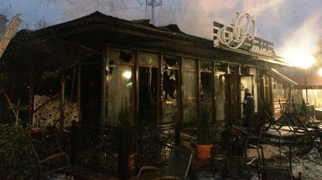 IMG_9322-1024x573 Измаил: в центре города произошел взрыв в кафе, подозревают газ  (фото, видео)
