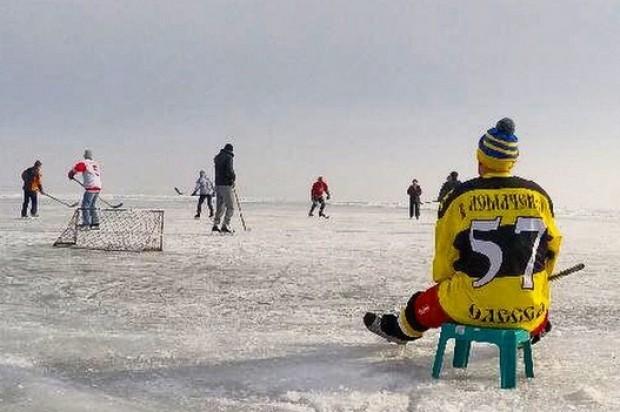 Фотофакт: Ломаченко - не только боксер, но и хоккеист