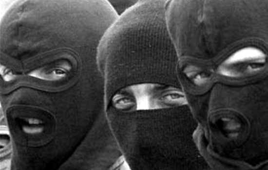 ffbcdda9c9259a2f9b6cbc76ab5a326e В Измаильском районе двое в масках ограбили дом