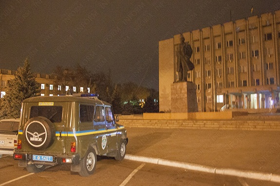 izmail-lenin-pod-ohranoi-4 В Минкультуры дали добро на демонтаж памятников советским деятелям