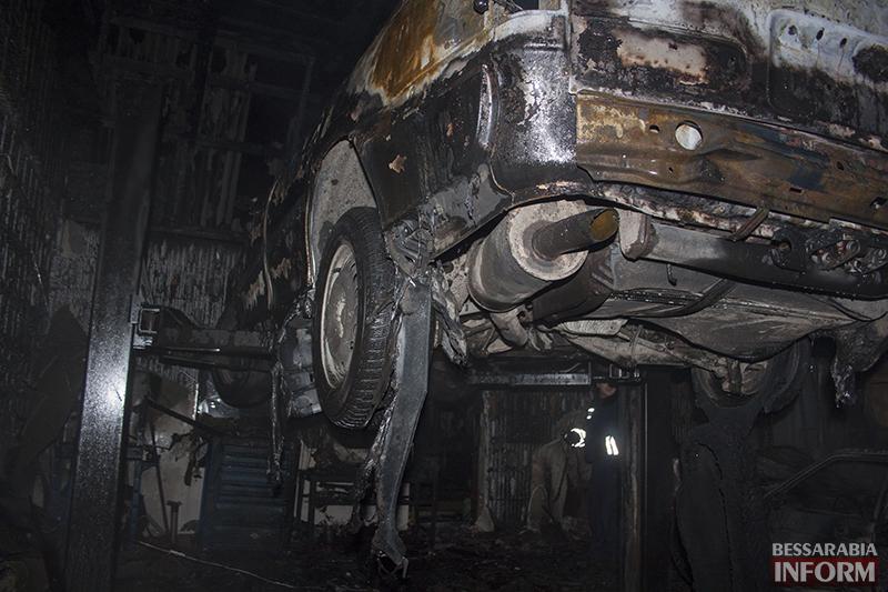 izmail-pojar-1 Ночной пожар в Измаиле - сгорело СТО (фото, обновлено)