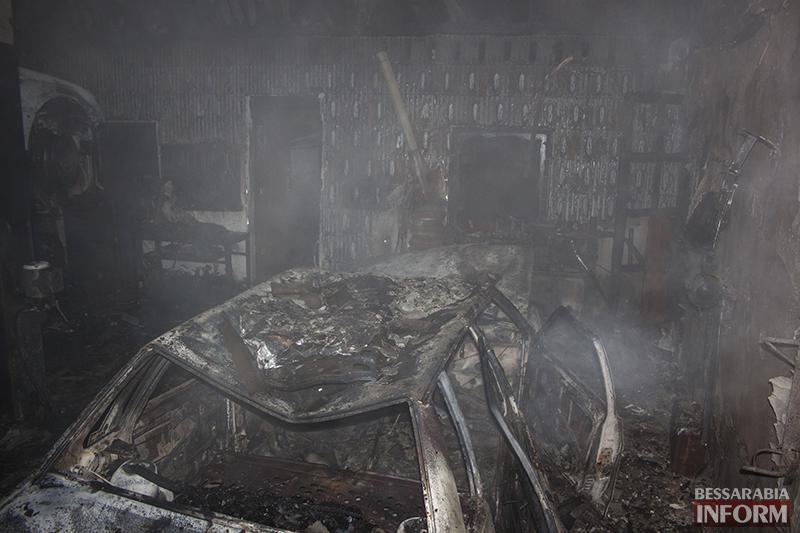 izmail-pojar-2 Ночной пожар в Измаиле - сгорело СТО (фото, обновлено)