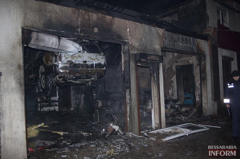 izmail-pojar-3 Ночной пожар в Измаиле - сгорело СТО (фото, обновлено)
