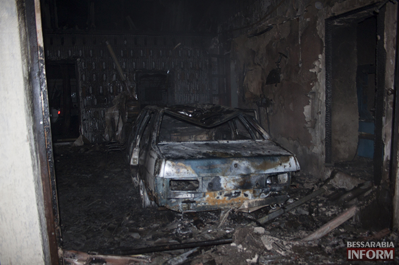 izmail-pojar-4 Ночной пожар в Измаиле - сгорело СТО (фото, обновлено)