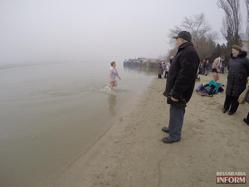 kreshenie-na-dunae_izmail-2 Измаильчане и холодные воды Дуная (фоторепортаж +видео)