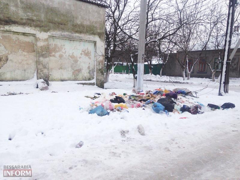 mysor-kiliya-1 В Килие кучи мусора лежат прямо в городе (фото)